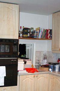 Kitchenshelfareabefore